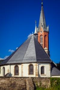 kościół parafialny Świętej Jadwigi Śląskiej w Miłkowie